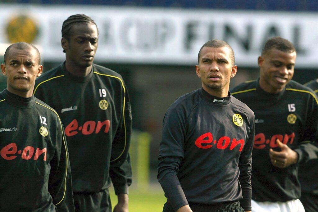 Otto Addo (2.v.l.) spielte beim BVB mit Ewerthon (l.), Marcio Amoroso (M.) und Sunday Oliseh zusammen.