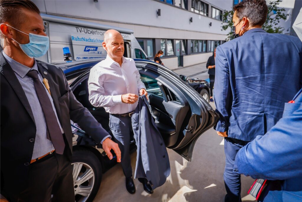SPD-Kanzlerkandidat Olaf Scholz kommt in Dortmund an.